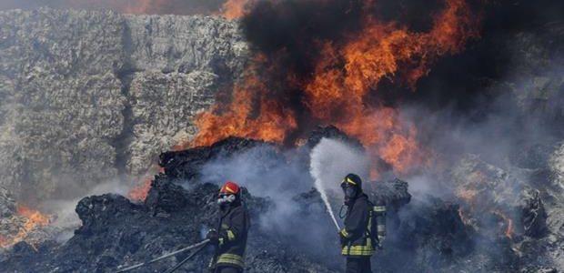 di Gennaro Napoletano Un incendio di enormi dimensioni ha colpito, il deposito di raccolta rifiuti del gruppo De Gennaro nella zona industriale di Pascarola, nel territorio del comune di Caivano, […]